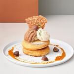 モンブランとプラリネクリームのパンケーキ キャラメルソース