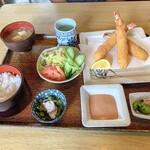 お食事処 帆竿 - 料理写真:エビフライ定食