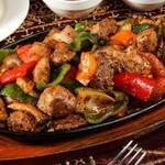 トプカプ - 仔羊肉と野菜のカヴルマ