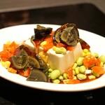 ファイヤーホール4000 - 夏野菜たっぷりピータン豆腐