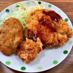 味平 - 料理写真:手作りオカズ コロッケ 唐揚げ チキンカツ