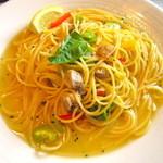 パステル - チキンと空豆のバジル風味(ランチ)