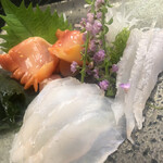 季節料理 藤 - 大分産の赤貝。ようやく肉厚になってきました。手前はクエのお腹と背中