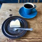 ロングウォーク コーヒー - チーズケーキ&ペーパードリップコーヒー ビターブレンド