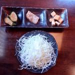 豚食健美 優膳 - サラダと小鉢