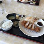 瀬戸内ゴルフリゾート レストラン THE GRILL - 和風おろしポン酢がうまい