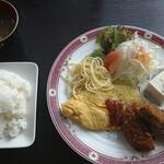 アロマカフェ - 料理写真:オムレツメンチカツランチ