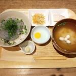 キチプラス - 生しらす丼(ハーフサイズ)