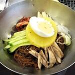 136357971 - ピリ辛ビビン麺