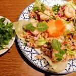 チャオタイ - ヤム タカイ クン ¥950 パクチー追加 ¥200 海老と豚挽肉とレモングラスのサラダ