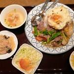 チャオタイ - ヌァ パッ ナム マンホイ ラーカオ(ランチセット) ¥930 +目玉焼き ¥70