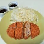 Kimukatsu - 超薄切りの国産豚ロース肉を25枚も重ねて揚げた元祖ミルフィーユかつ、ゆず胡椒味はサッパリしたポン酢と相性抜群!