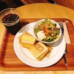 ベシャメルカフェ - モーニング 厚焼き玉子サンドセット 700円