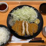 ガブリングステーキ - 料理写真:うまみ和豚ロースかつ定食780円税別