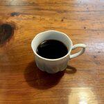 安田製麺所 - 玉子焼きそば ¥680 のコーヒー