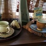 エルザ - その他写真:此方も自作の販売品陶器ですが、少し高額だそう・・