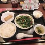 DRAGON酒家 - ¥850 レバニラランチ