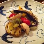 おだいどこmamecco - 丸ズッキーニ、新玉葱、パプリカなどの焼き野菜を、美しいお皿に。