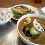 cafe Clap - 鶏肉と揚げ野菜のスープカレーセット1400円  ドリンク付き