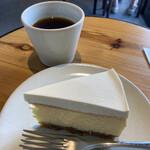エンバンクメントコーヒー - このケーキ激うま(*´д`*)ハァハァ(*´д`*)ハァハァ