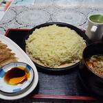 ま心 えんどう  - 料理写真:手打ちつけ麺(中)+餃子
