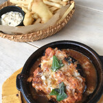カフェ エトランジェ ナラッド - 温・前菜 フィッシュ&チップスとナスのオーブン焼き。