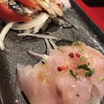 東京MEAT酒場 - カルパッチョとシメサバトマト