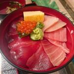 マグロ卸のマグロ丼の店 - 海鮮丼A  1,300円(すまし汁付)
