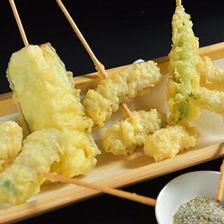 串に刺した「天ぷら」はおつまみ感覚でお楽しみいただけます♪