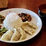 ネパール餃子酒場 ジェニカ - ネパール餃子定食