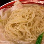 広州市場 - 麺は細ストレート