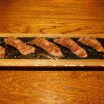 WA-DINNER き - 牛サーロインの炙り寿司 五貫