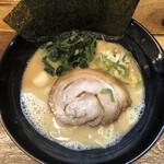 松壱家 - 醤油豚骨(750円)