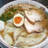 平和軒 - 料理写真:七福醤油ワンタン麺 大盛(800円也)