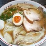 平和軒 - 七福醤油ワンタン麺 大盛(800円也)