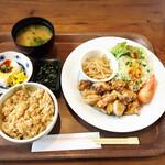 トリ アオキ - 料理写真:地鶏のごろ焼き(選べるランチプレート)1300円