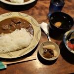 たくみ割烹店 - 料理写真:牛スジ煮込みカレー 1100円