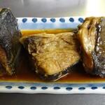 岩田屋酒店 - カンパチ頭の煮付け