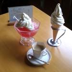 ミルクの家 - 料理写真:ちょとリッチにかき氷+ソフトクリーム¥550~