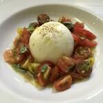 サン・クリストフォロ - 料理写真:ブッラータのサラダ