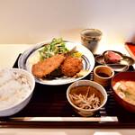 和食とお酒 きいろ - アジフライとエビのメンチカツ定食@1,200円