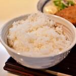 和食とお酒 きいろ - 【アジフライとエビのメンチカツ定食@1,200円】ライス