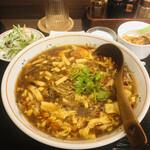 本場中華食堂 味道 -