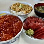 鶴亀屋食堂 - 生ウニ丼  ¥2750- サービス丼 (大間の本マグロ、イクラ)  ¥3300-