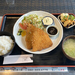 二三家食道 糸島屋 - 料理写真:あじフライランチ@650+tax
