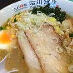 上州麵処 石川商店 - 写真だとスープが白濁っぽく写ってますが、現物はクリア感があります。