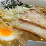 上州麵処 石川商店 - 正直、わたしの好きな麺ではありません。が、こういうのも良いねと思いました。とても美味しく感じます。スープのせい?