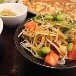 中華厨屯知 - ダブルランチの「サラダ」