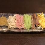 中国料理 龍亭 - 具はクラゲ・蒸し鶏・ハム・胡瓜・叉焼・錦糸玉子