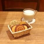 ステラおばさんのクッキー - その1@セサミ、ほっこりおさつ、ぐるぐるパンプキン、オレンジマーマレード、チョコバナナ